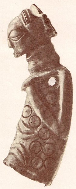 amulette bayeke sculptée en ivoire