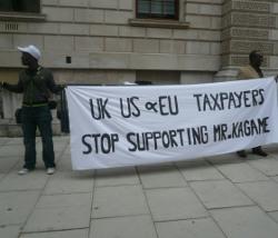 Manifestation anti-Kagame à Londres en été 2010