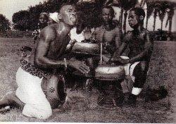 Batteurs de tam-tam/Maniema-Kibombo/Infor-Congo 1958