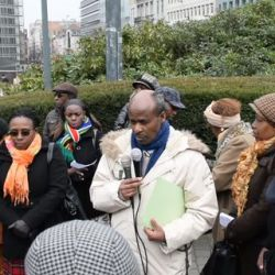 Joseph Bukeye/FDU-Inkingi, s'adressant aux manifestants