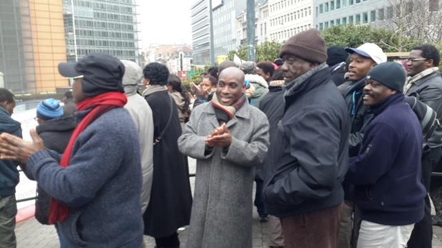 Une vue des manifestants du 11/02/2015 devant les bâtiments de l'UE à Bruxelles