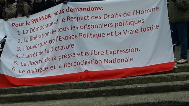 Une des nombreuses banderoles des manifestants