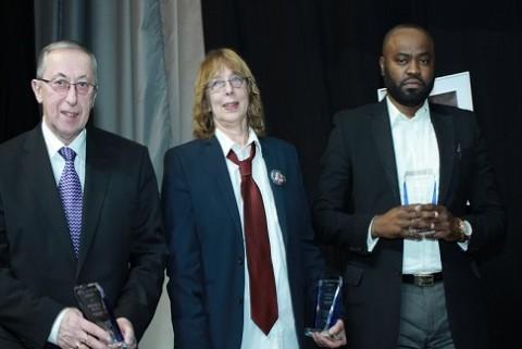 Les lauréats du prix Victoire Ingabire pour la paix , édition 2016 : Anneke Verbraeken, Patrick Mbeko et  Fred Holt.
