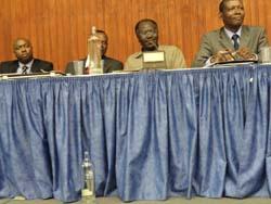 Nkiko Nsengimana des FDU et Joseph Ngarambe de RCN à Bruxelles le 31-07-2011